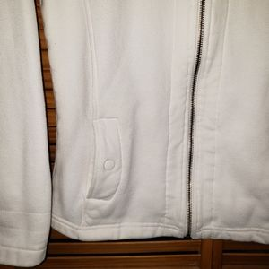 Columbia Jackets & Coats - Columbia white collared Zip front Small Jacket